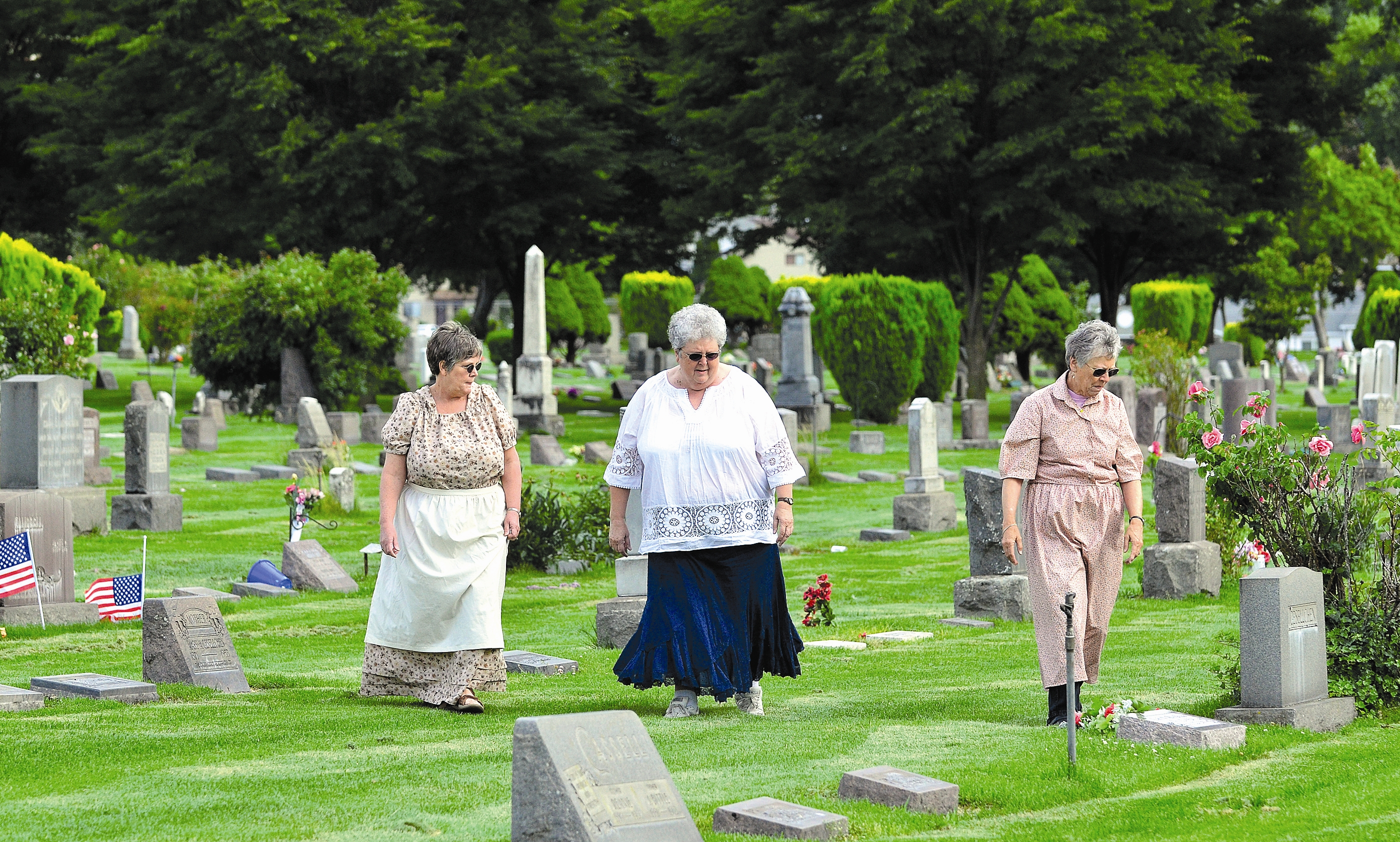 Exhuming settlers' stories: Genealogy society plays host to its second Walking with Ancestors at Lewiston cemetery