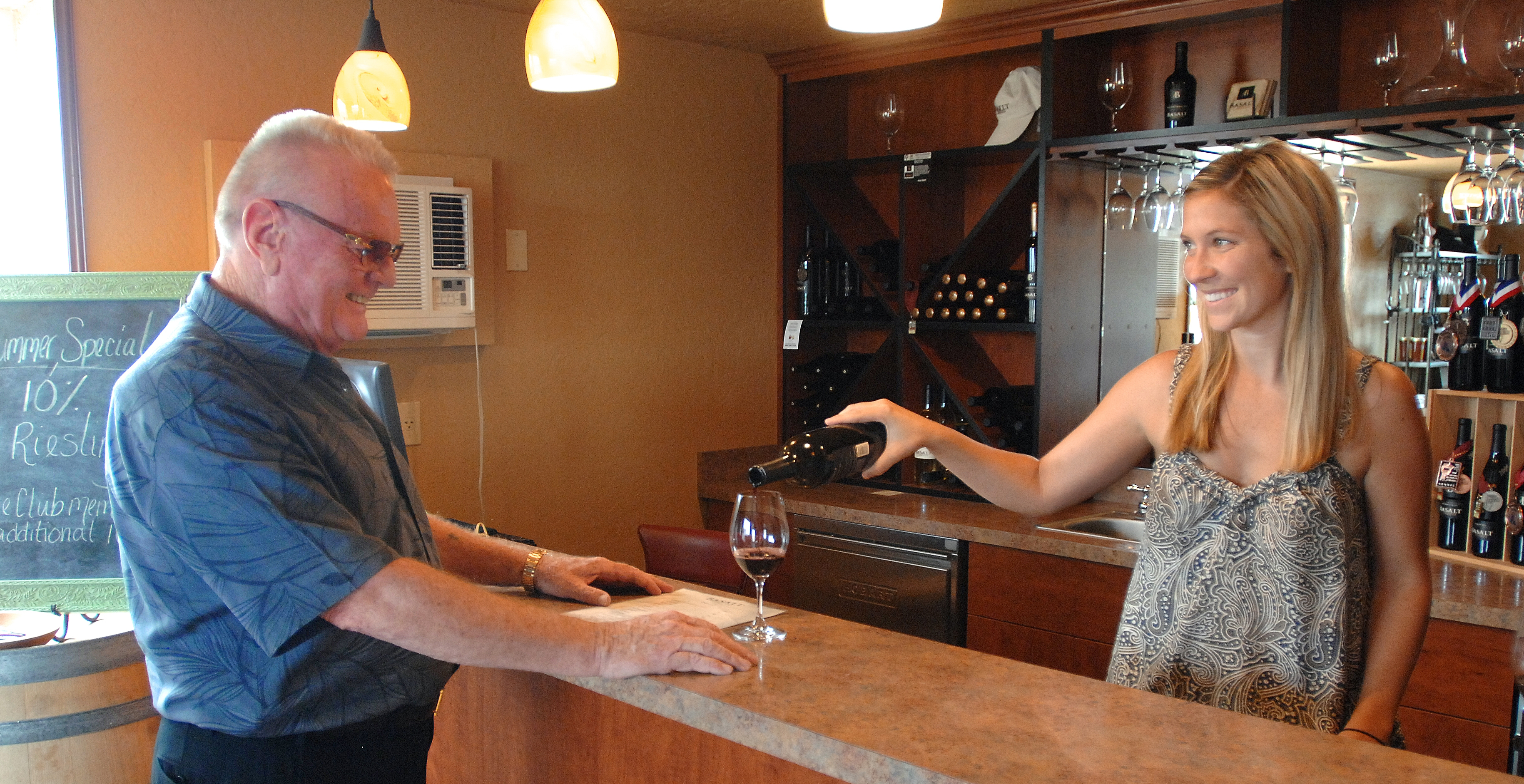 'Wine and Wisdom' pairs Clarkston winery with stories of the Northwest
