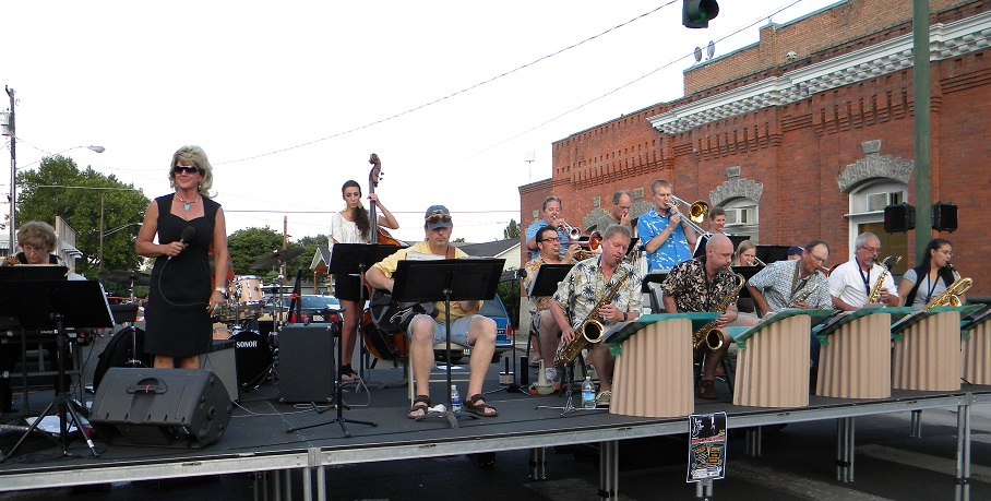Livin' it up after hours: Clarkston's Alive After Five provides downtown, evening entertainment