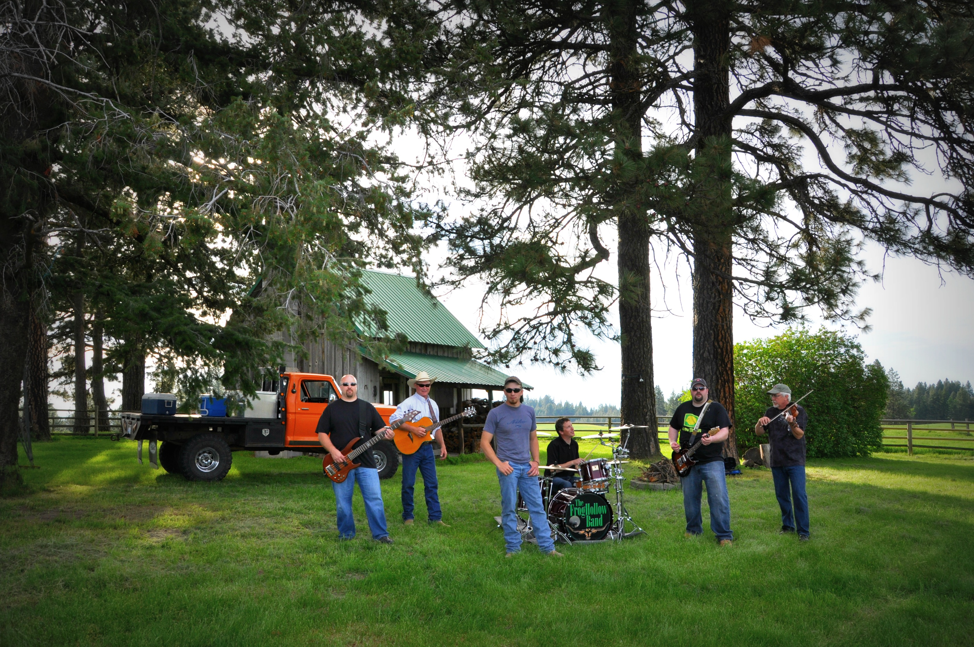 Walla Walla's FrogHollow Band brings high energy country to Pomeroy