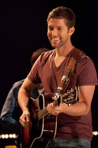Country singer Josh Turner performs Sunday at the Clearwater River Casino Events Center.