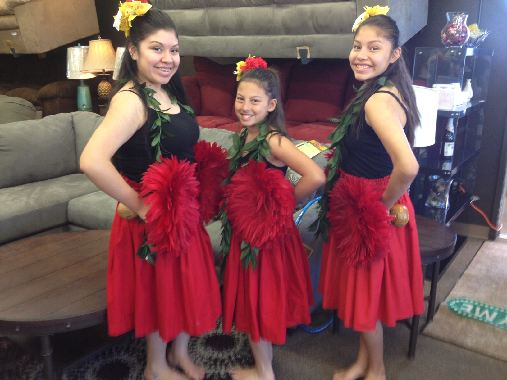 Hula hall: Dance and music school hosts fundraiser, Polynesian dinner show