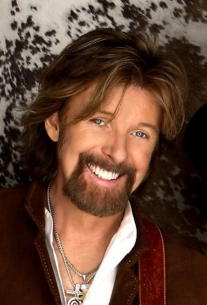 Ronnie Dunn replaces Randy Travis for Clearwater River Casino concert