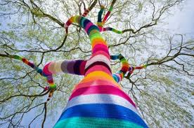 "People invited to ""Yarn Bomb"" Moscow Library"
