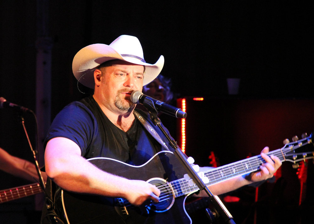Singing a different tune:  Country singer Chris Cagle brings shift in priorities, outlook to Lewiston audience