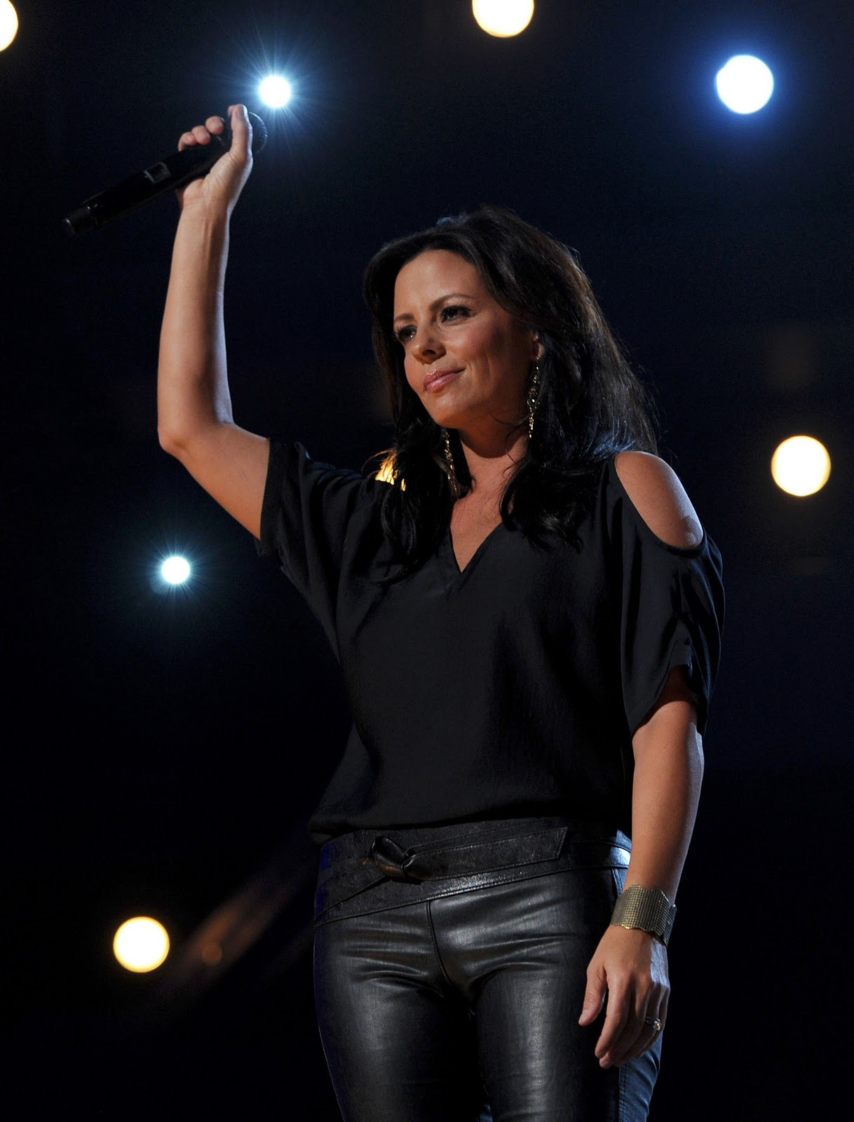 She lives for live shows:  Q&A with country music star Sara Evans, who is coming to Clearwater River Casino