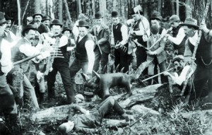 The hunted Hodag from 1893. This photo was widely circulated in newspapers as proof the creature existed. Obviously it wasn't photoshopped so it must be real.