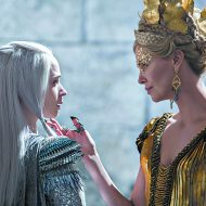 'Huntsman' a moody 'Frozen' rip-off