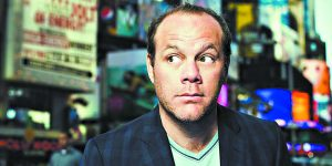 Tom Papa won't set young children's ears on fire with his act about parenthood.
