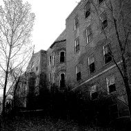 Ghost hunters flock to Colfax as Haunted Hospital tours resume