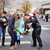 Clarkston Police Giving Out Sweets